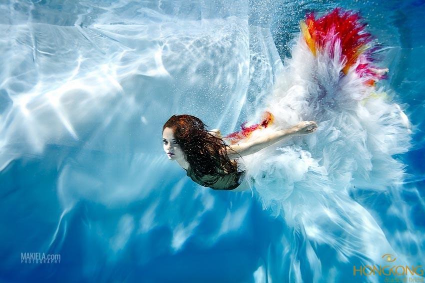 chụp ảnh thời trang dưới nước